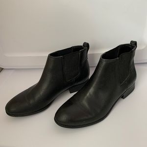 Franco Sarto Black Leather Chelsea Ankle Boots - Size 8